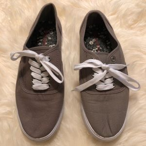 Target Grey Keds Style Sneakers Tennis Shoes US 7